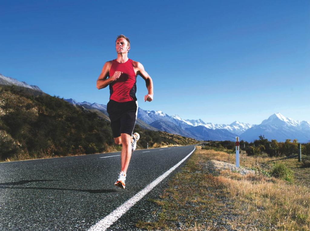 رجل يركض